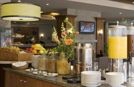Breakfast at the Bellevue Eastgate Silver Cloud Hotel.