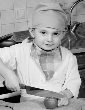 Child and butcher knife - image.