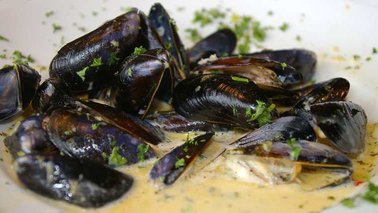 Penn Cove Mussels served at Arnies in Edmonds, Washington - image
