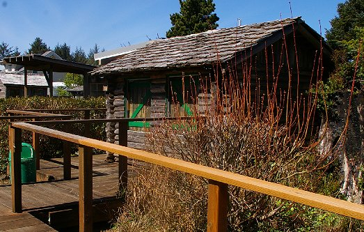 Tiny cabins at The Green Lantern Pub in Copalis Washington - image.
