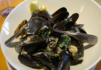 Mussels in coconut milk at Johnnys Bistro in Tacoma, Washington - image.