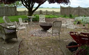 The fire pit at the Queen of the Valley Inn.