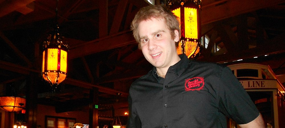 Server Dave at the Lynnwood Old Spaghetti Factory - image.