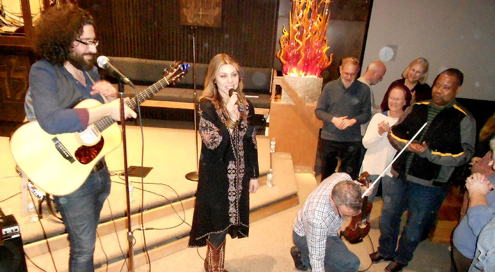 Nefesh Mountain final number at Temple Beth El in Tacoma - image.