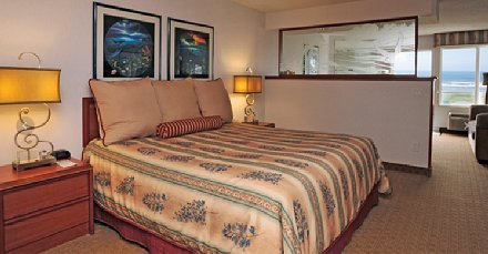 Our junior suite at the Shilo Inn in Ocean Shores, Washington - image.