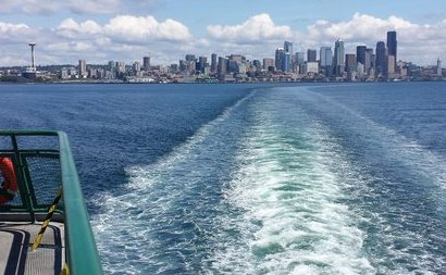 Bremerton ferry arriving in Seattle - image.