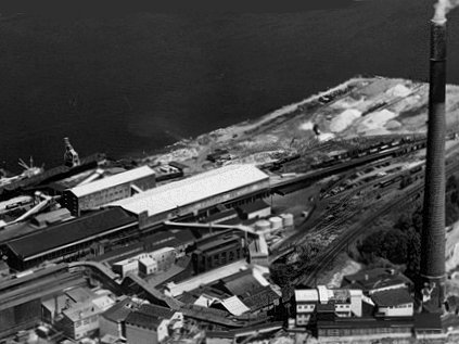 The Asarco smelter once on the site of Point Ruston - Tacoma - image.