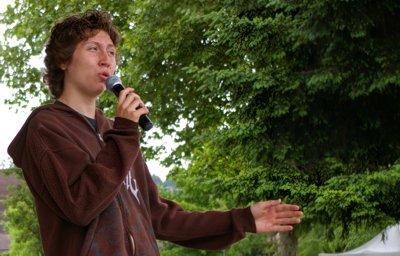 A wonderful singer performing at the Puyallup Farmers Market in Puyallup, Washington.