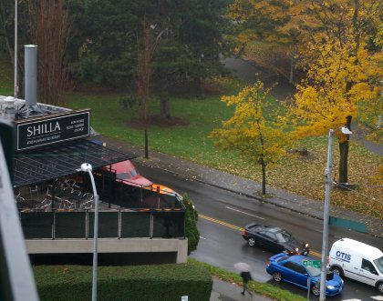 View photo from balcony at La Quinta Hotel & Suites in downtown Seattle - image.