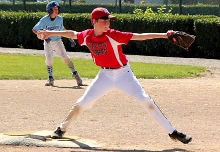 Riley Doman pitching at Sprinker in Parkland/Spanaway, Washington - image.