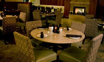 The empty restaurant at the Bellevue Silver Cloud - Eastgate.
